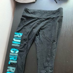 Selling nice fit workout leggings